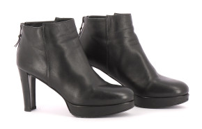 Bottines / Low Boots STUART WEITZMAN Chaussures 38.5