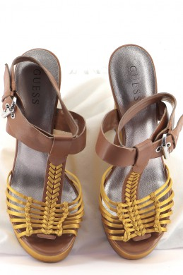 Chaussures Sandales GUESS JAUNE