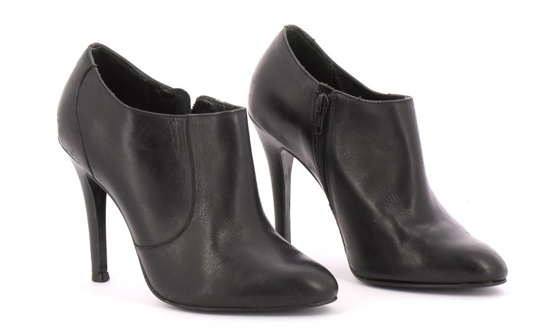 Chaussures Bottines / Low Boots MINELLI NOIR
