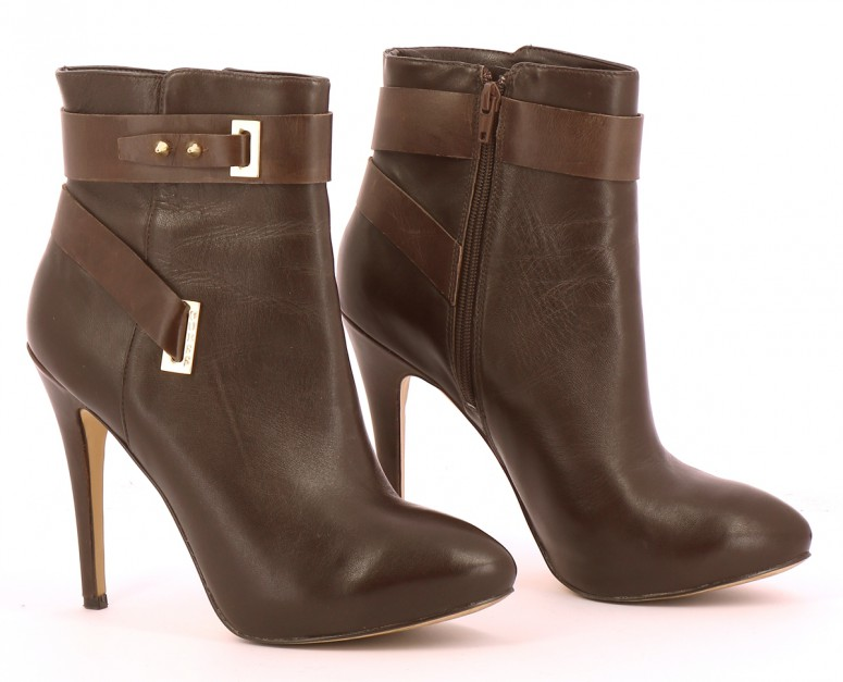 Chaussures Bottines / Low Boots GUESS MARRON