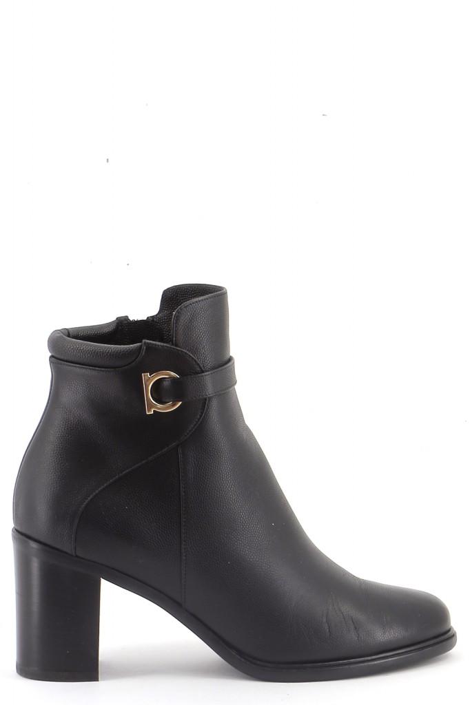 Chaussures Bottines / Low Boots SALVATORE FERRAGAMO NOIR