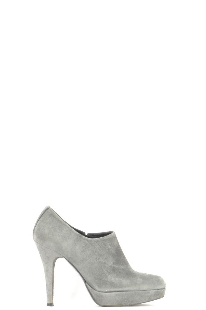 Chaussures Bottines / Low Boots STUART WEITZMAN GRIS